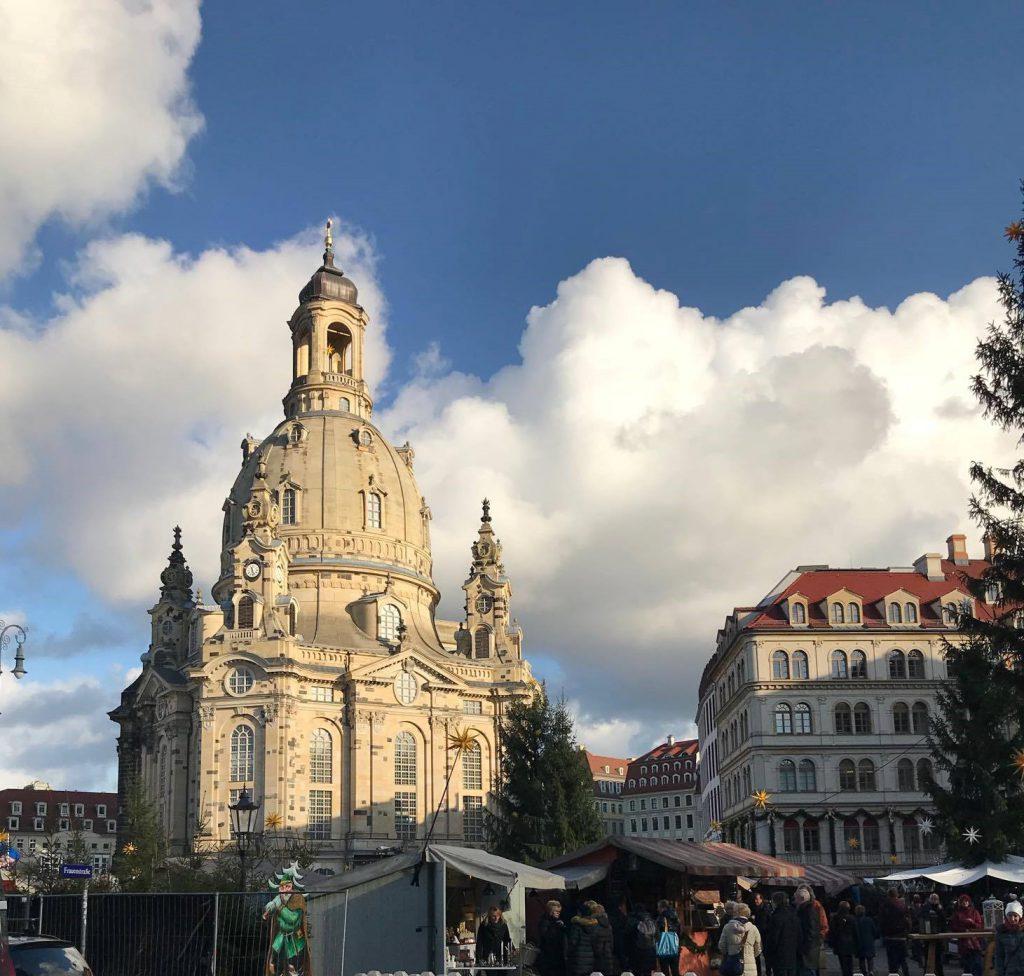 Dresden_Kirche_striezelmarkt